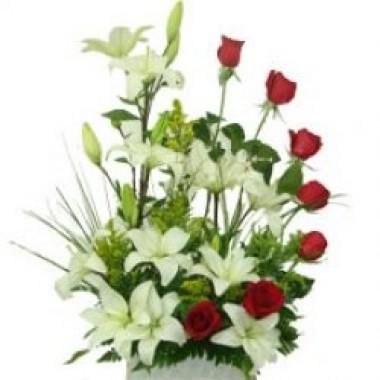 Rosas y lirios
