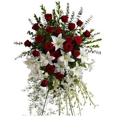 Lagrima de rosas rojas y lirios blancos