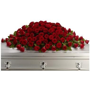 Cubre Ataúd de rosas rojas