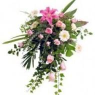 Lagrima de rosas, gerberas y lirios