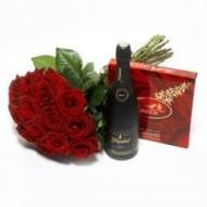 Rosas, chocolates y vino