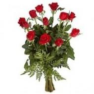 Arreglo de 12 rosas en florero