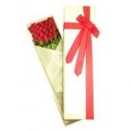Caja con 24 rosas