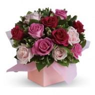 Arreglo de 12 rosas en caja